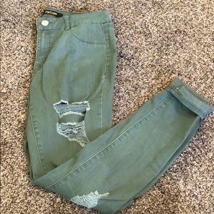Denim - Ripped army green jeans